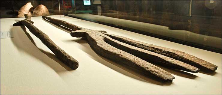 деревянные трезубцы, Англия