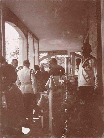 Царская Семья на освящении первого санаторного корпуса 22 апреля 1914 года