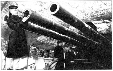 Береговая артиллерия Краснознаменного Балтийского флота готовится к открытию огня по противнику. Январь 1943 года (АВЛ)