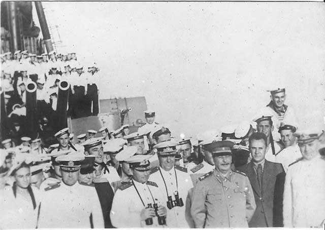 """Сталин, Косыгин, Юмашев и Октябрьский на борту КРЛ """"Молотов"""", 19.08.1947г."""