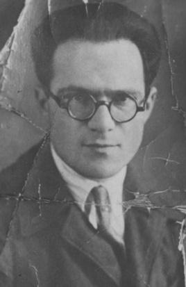 Моисей Корец (1908–1984) родился в Севастополе в семье еврея-часовщика