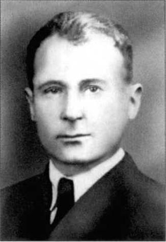Генерал-майор СМИРНОВ ИВАН ВАСИЛЬЕВИЧ (псевдоним — «ОСТВАЛЬД») Родился в 1901 г. в д. Ельники Бежецкого района Калининской области. Русский.
