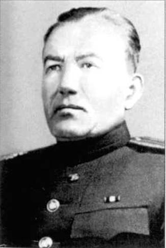 Генерал-майор артиллерии СУСЛОПАРОВ ИВАН АЛЕКСЕЕВИЧ (псевдоним — «МАРО») Родился в 1897 г. в д. Крутихин Куменского района Кировской области. Русский.