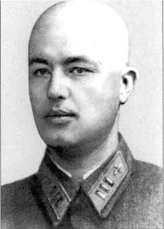 Подполковник ЗАЙЦЕВ НИКОЛАЙ МАКСИМОВИЧ (псевдоним — «БИНЕ») Родился в 1910 г. в г. Саратове. После окончания пяти классов общей школы поступил в фабрично-заводское училище. Работал пекарем на хлебозаводе.