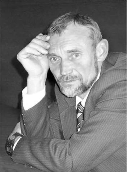 Назаров В.В. Научный сотрудник Института Археологии НАН Украины, руководивший с 1984 по 2000 год Березанской подводной археологической экспедицией.