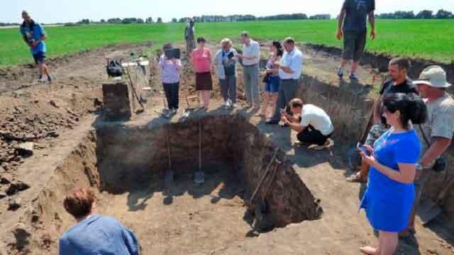В Полтавской области на раскопках Бельского городища найдено скифское золото и уникальные уцелевшие амфоры.