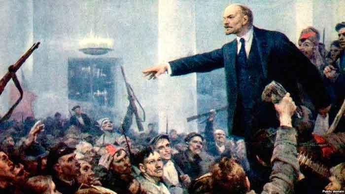 Фрагмент картины Серова «Ленин провозглашает Советскую власть»