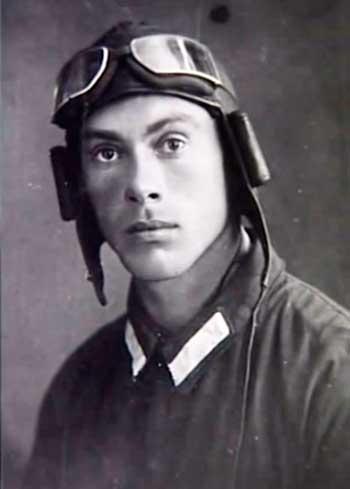 Гастелло Николай Францевич (род. в 1907 г. - ум. в 1941 г.)