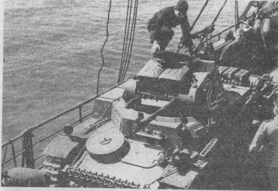 Начало операции Sonnenblume («Подсолнечник») – погрузка на суда танков Африканского корпуса для доставки в Триполи. Неаполь, весна 1941 года.