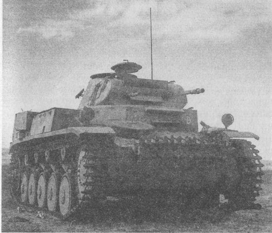 Pz.II Ausf.C захваченный английскими войсками. Северная Африка, 1942 год.