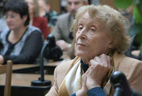 Лариса Крушельницкая, профессор, украинская археолог, доктор исторических наук, библиотековед, умерла во Львове на 89 году жизни.