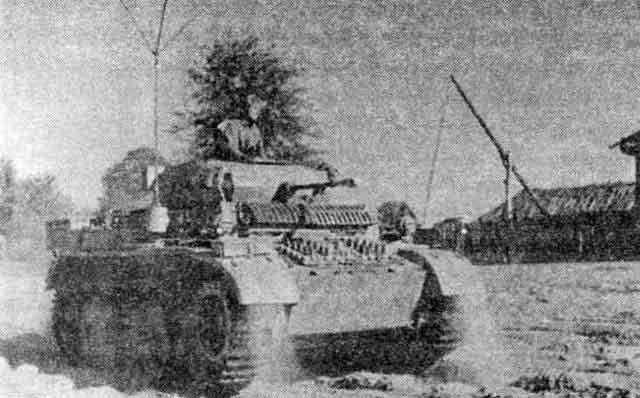 Лёгкий танк Pz.II Ausf.L из состава 4-го разведывательного батальона 4-й танковой дивизии. Восточный фронт, осень 1943 года.