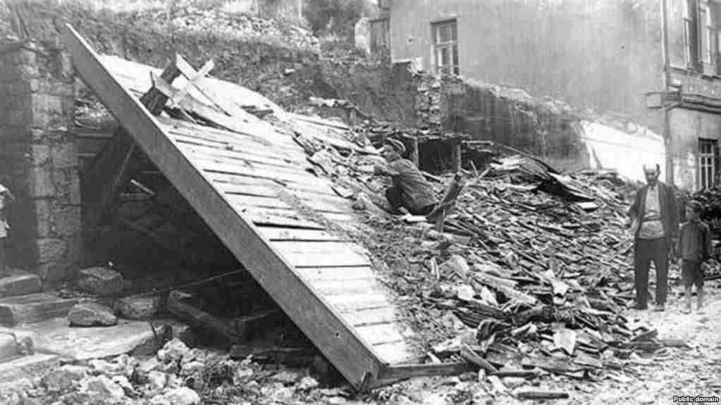 Руины после крымского землетрясения 1927 года