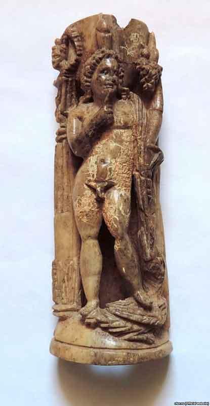 Гарпократ - в Древней Греции и Древнем Риме имя египетского бога Гарпехрути (Гора младшего), которого почитали как бога молчания. Изображался в виде мальчика в короне с пальцем у рта