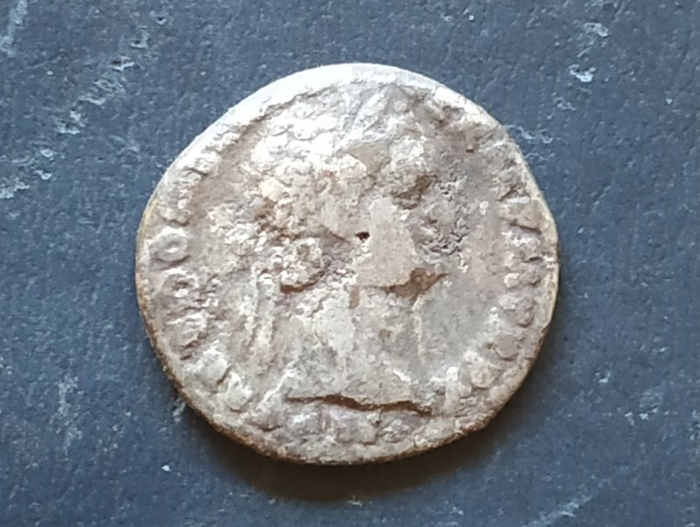 серебряный римский денарий