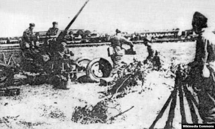 Польская зенитная артиллерия во Львове. 1939 год.