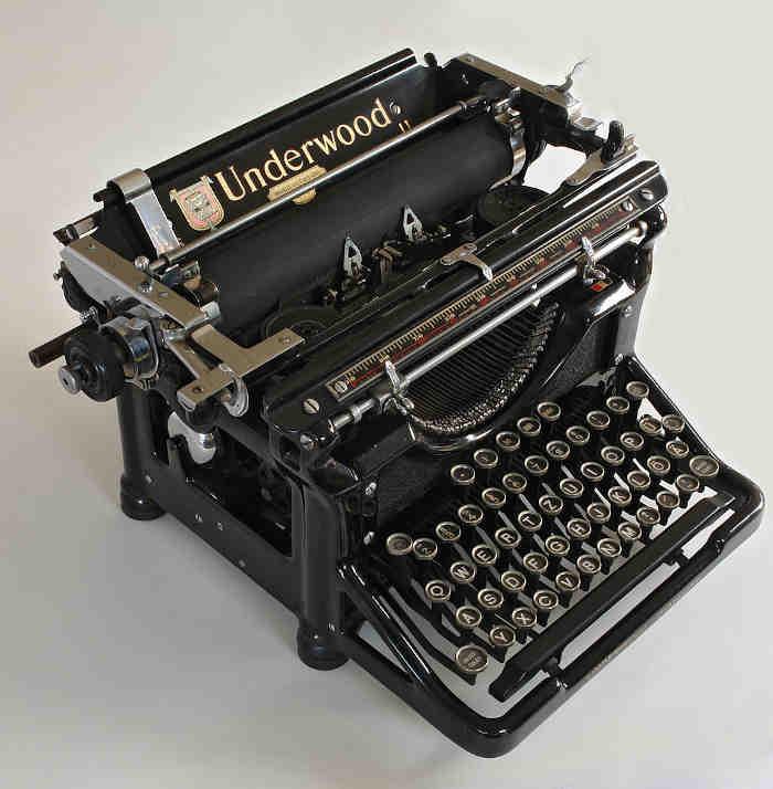 Пишущая машинка «Ундервуд» (Underwood)