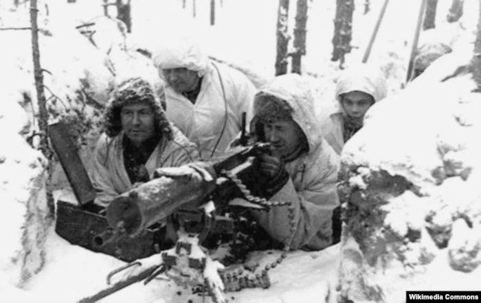 Финские пулеметчики во время