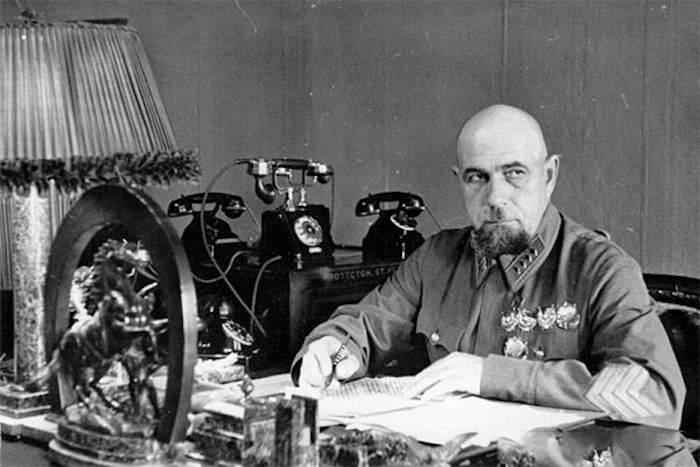 Павел Дыбенко