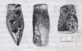 Каменные мотыги периода неолита