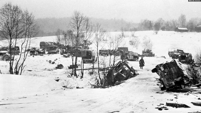 Брошенная под Москвой разбитая немецкая техника. Декабрь 1941 года. Фото Павла Трошкина