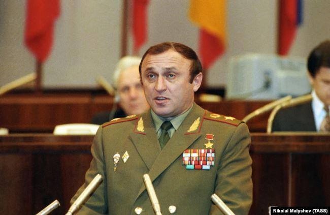 Министр обороны РФ Павел Грачев