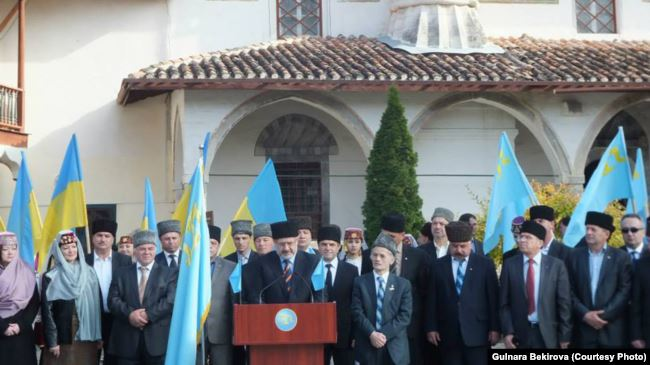 Инаугурация нового состава Меджлиса крымскотатарского народа. Бахчисарай. 1 ноября 2013 года