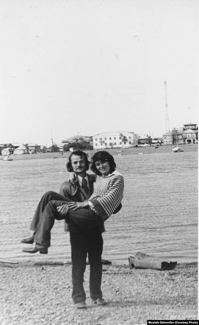 Мустафа и Сафинар Джемилевы в Якутии. Июль 1980