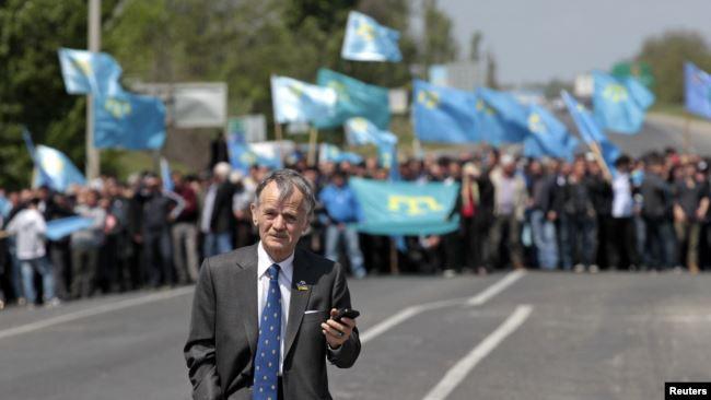 Мустафа Джемилев пытается попасть на территорию Крымского полуострова. 3 мая 2014 года