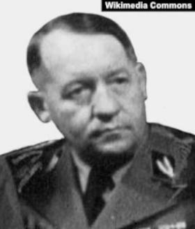 начальник разведывательного бюро германского МИДа, однокашник Риббентропа по гимназии, оберфюрер СС Рудольф Ликус