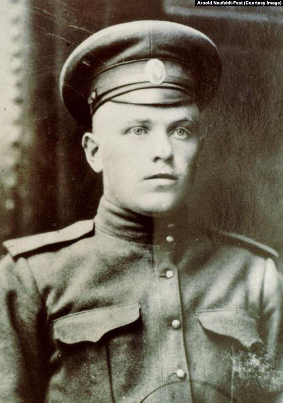 Франц Брейль, отказывавшийся брать в руки оружие, был военным врачом (1921)