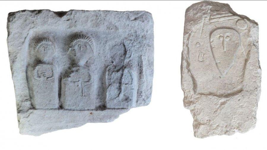 древние надгробные стелы