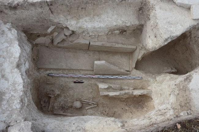 погребение в каменном ящике