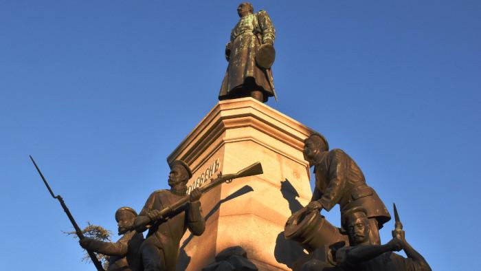 Памятник Э. И. Тотлебену в Севастополе